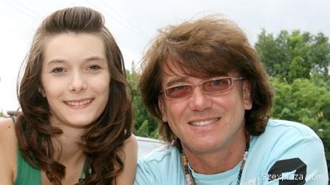 Erős Melinda lánya Grigorescu Andrea volt intézetben